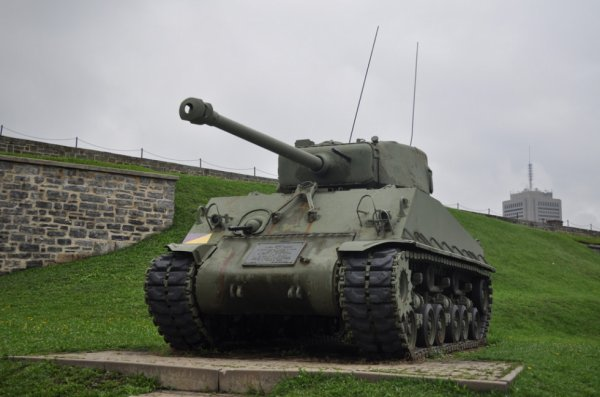 Tank M4 SHERMAN / Citadelle de Québec (CANADA)