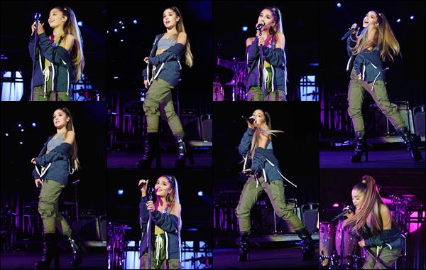 """- """"•-24/09/17-─"""": Ariana Grande donnait un concert dans la ville de Charlottesville, qui se situe aux États-Unis. Ayant très peu d'activée depuis sa tournée, on revoit peu à peu notre Ariana : même si c'est une énième fois sur la scène... Un petit top ! -"""