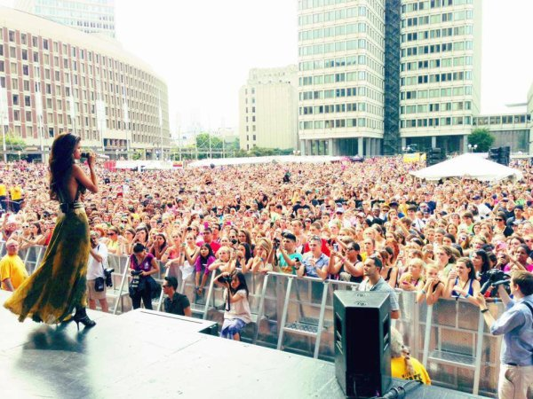 """What an amazing crowd! Thank you @1033ampradio #AmpBdayBash Getting stoked for my tour!"""