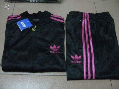 ensemble adidas noir et rose