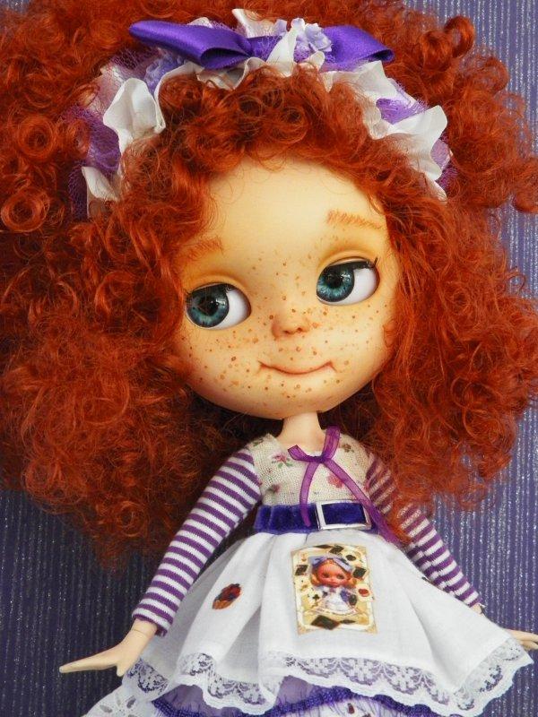 Blythe à la chevelure flamboyante......