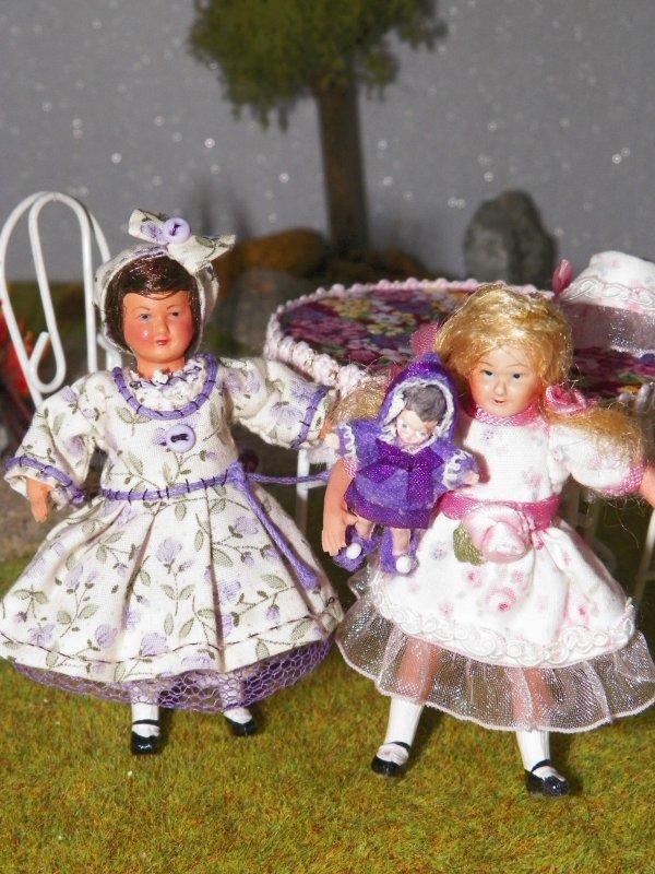 Petites filles modèles miniatures