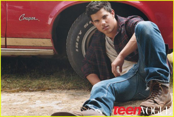 Monsieur Taylor Daniel Lautner . Pour vous servir *-*           Who's afraid of the big bad wolf ? :)
