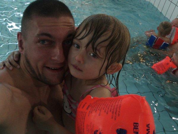 Moi est ma princesse à la piscine :)