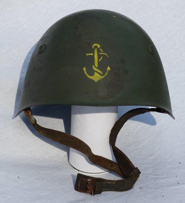 Italian Model 933 helmet