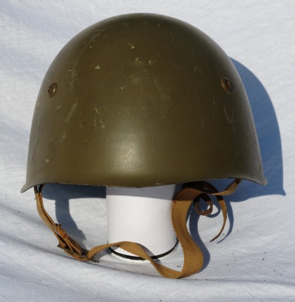 Italian Model 933 helmet post WW2 (1)