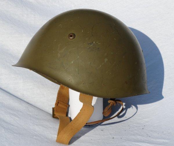 Italian Model 933 helmet post WW2 (1)