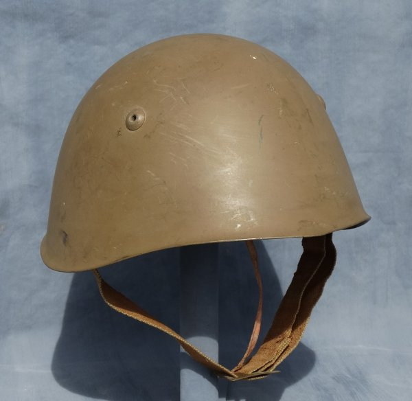 Italian Model 933 helmet post WW2 (3)