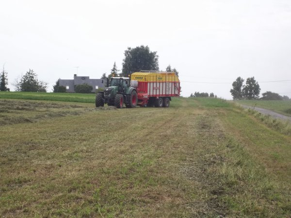 Autochargage 2011 ---> Fendt 924 Vario et autochargeuse Pottinger Torro 5700 Powermatic