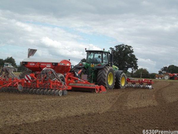 Démonstration 2011 ---> John Deere 8530 & Kuhn Moduliner HR 6003 ML