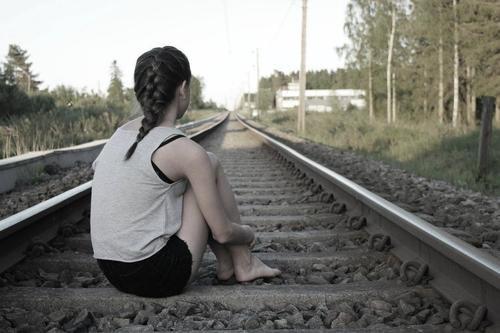 La vie n'est qu'une longue perte de tout ce qu'on aime.  Victor Hugo