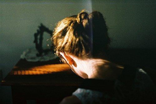 Conquérir sa joie vaut mieux que de s'abandonner à sa tristesse. André Gide