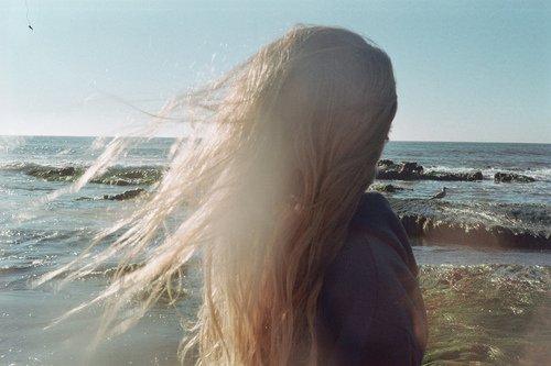 La seule manière de cesser de souffrir, c'est de n'avoir plus que du vide dans la tête. Amélie Nothomb