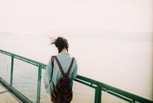 J'ai répondu qu'on ne changeait jamais de vie, qu'en tout cas toutes se valaient et que la mienne ici ne me déplaisait pas du tout. Albert Camus