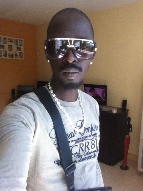 Apel moi black h si tu me connai !!!
