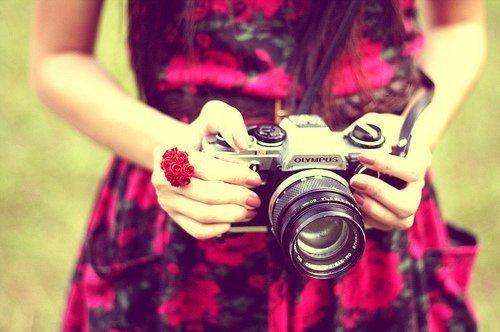"""""""La mémoire, comme le rêve, dilue les couleurs, la mémoire est comme une photographie exposée au soleil."""" José Carlos Llop"""