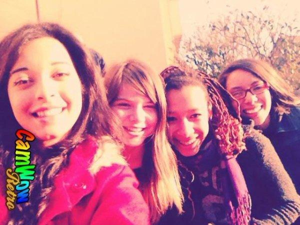 Les filles.