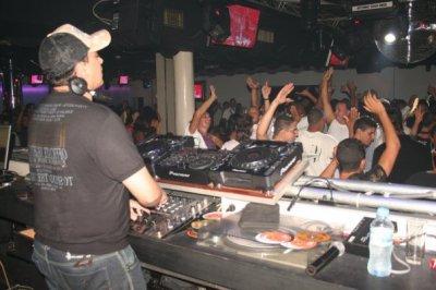 moi en mode DJ   :D