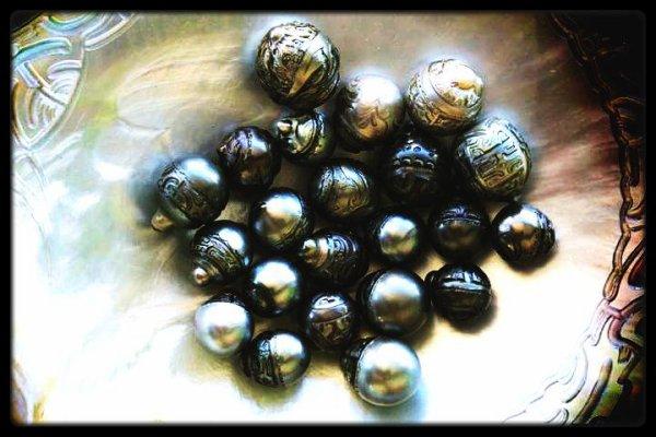 Perles sculptées