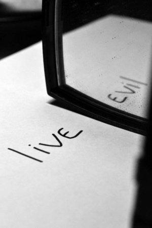 Il ne faut pas confondre les pessimistes et les déçus.