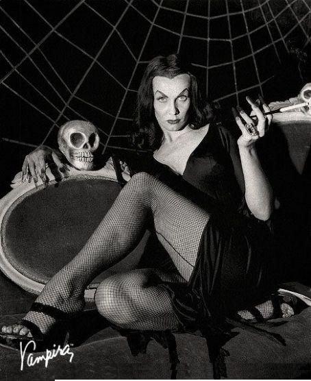 Maila Nurmi (Vampira)