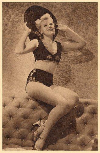 Muriel Barr