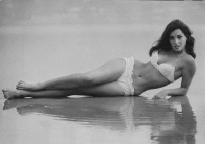 Eddy Williams v.s. Raquel Welch