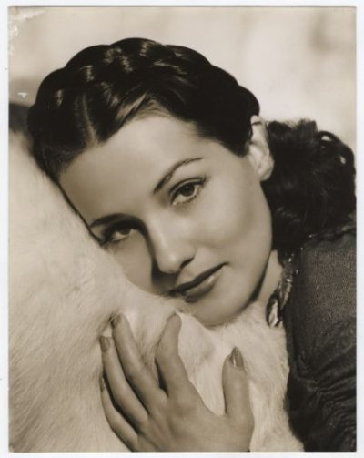 Audrey Hepburn v.s. Brenda Marshall