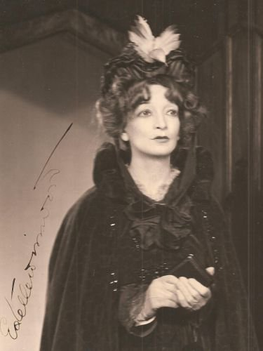 Estelle Windwood