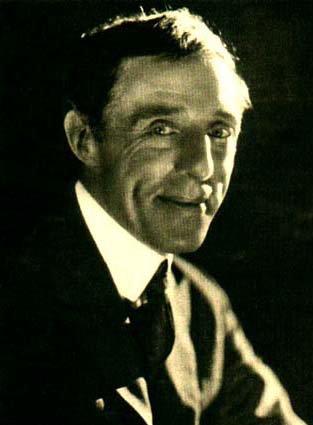 D. W. Griffits