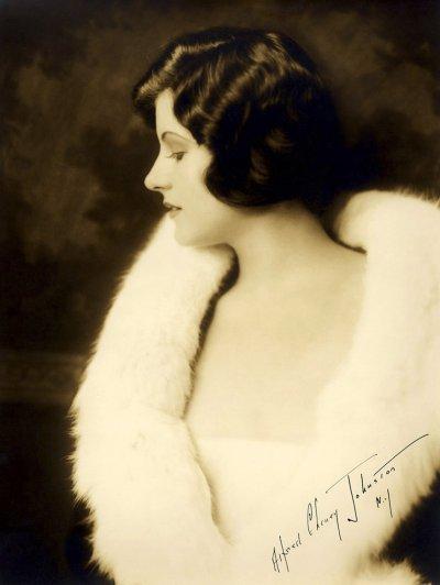 Dorothy Knapp