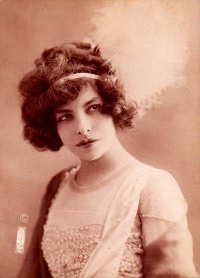 Pauline Polaire