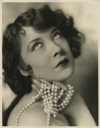 Yola D'Avril