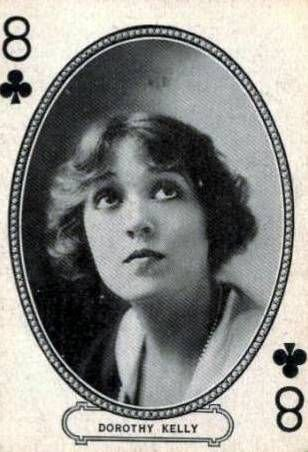 Dorothy Kelly (deux actrices)