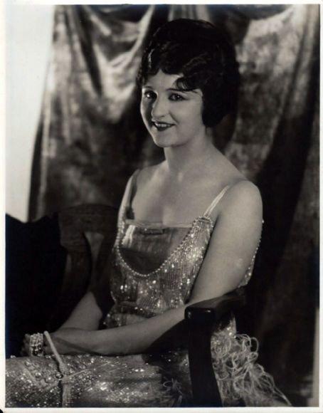 Julia Faye