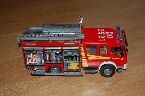 Maquette mercedes atego pompier 1/24 eme suite
