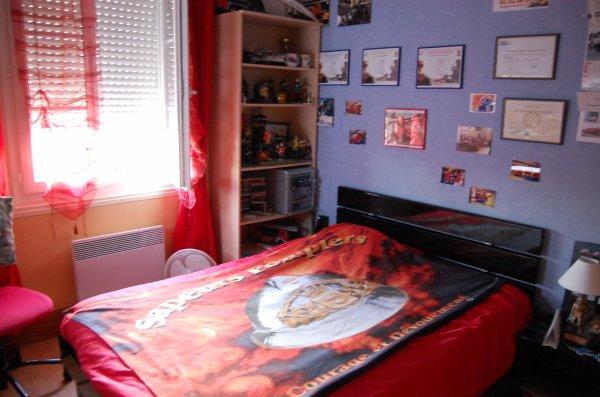 aperçu de ma chambre !!^^
