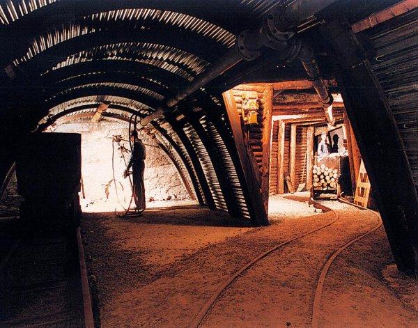1 : Exposition ; musée de la mine .