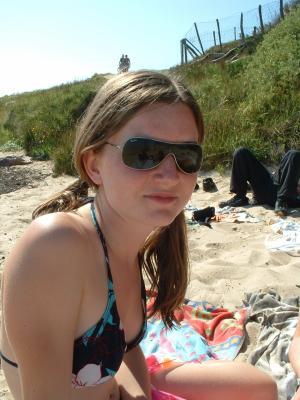 jvé vous présenté mes copin d'été,on est tt un groupe a trainer ts ensemble a la plage.c tro bien