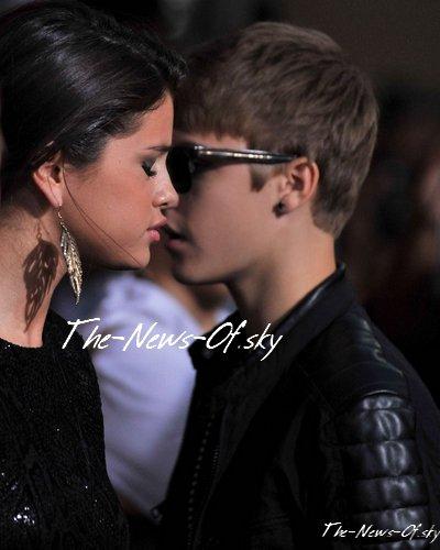 """L'avant première du film """"Abduction"""" se déroulait hier, en Californie. Selena et Justin y étaient !"""