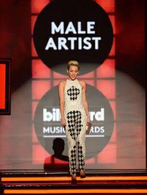 Le 19.05 / Miley au BBMA 2013