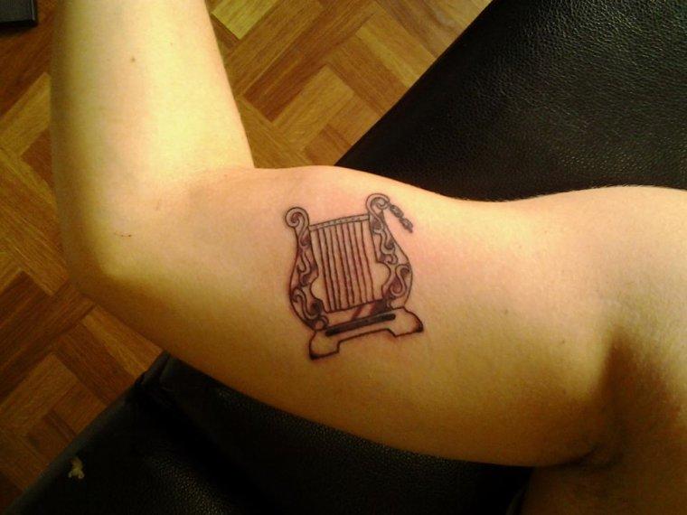 tatouage numéro 1