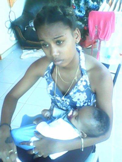 ,                                                     Mon bébé et moi !!! (leywes )