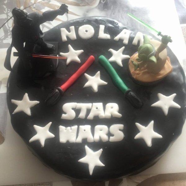 gateau d anniversaire star wars