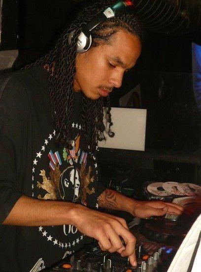 """Reunion to Kingston / Mr Vegas Pour Dj Wicked et l'île de la reunion """" Kill dem with it """"  (2009)"""