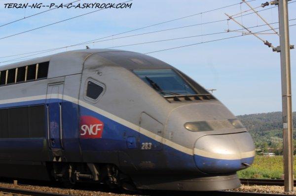 et un petit zoom XD sur le TGV pour paris
