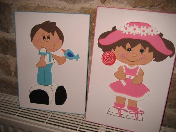 deux petits tableaux en mousse comme les poupées