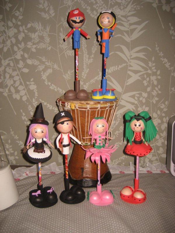 mes petites nouveautées crayons décorés d une poupée fofuchas