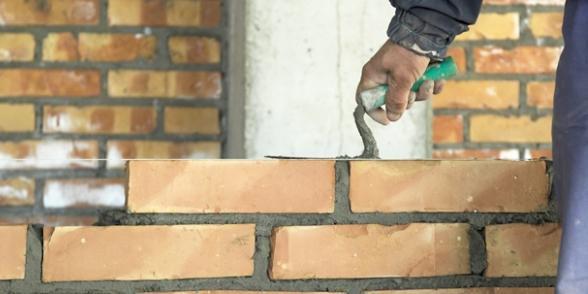 """Les plans de rigueur ont """"fracassé"""" le secteur du bâtiment"""