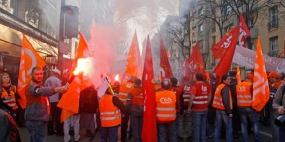Sarkozy cible les syndicats